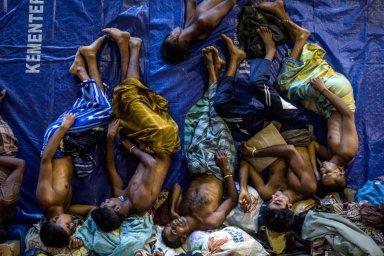 Migranti si riposano